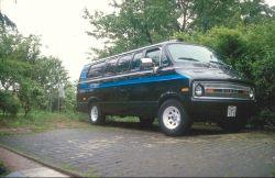 Dodge B200 V8 - Überlanger Van