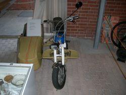 Kindermofa mit Seitenwagen