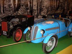 Eine Auswahl der großen Kleinen, die uns ins Rollen brachten (BSA Threewheeler, 1932 - BMW 3/15 IHLE Sport, 1930 - DKW F 1, 1921)