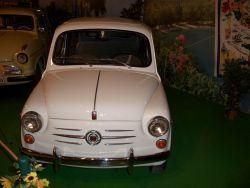 Eine Auswahl der großen Kleinen, die uns ins Rollen brachten (Fiat 600 D, 1964)