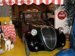 Drei kleine Italiener (In grün: Fiat 500 Topolino, 1938 ...)